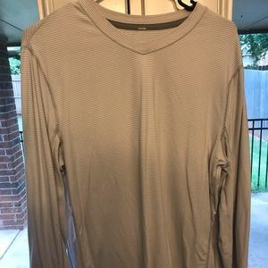 Men's lululemon long sleeve size L